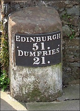 detail of Moffat milestone at NT083038