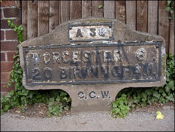 detail of Droitwich milestone at SO896624
